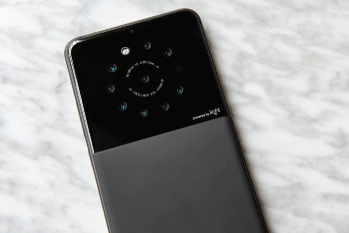 light-prototipo-9-camaras-700x468
