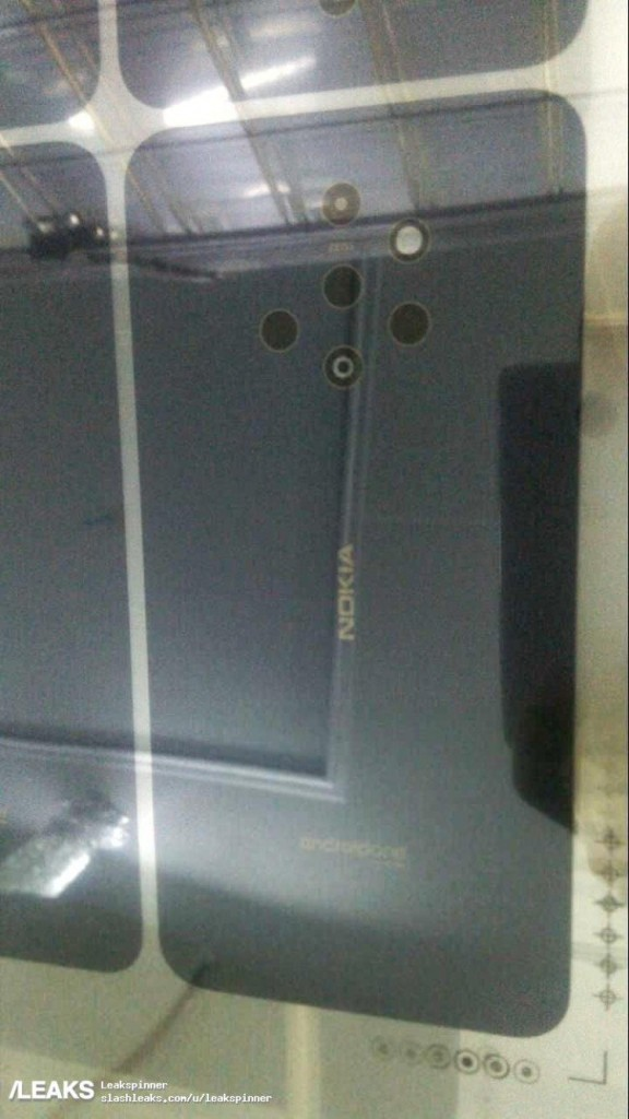 Nokia-Phone-with-Quintuple-Lens